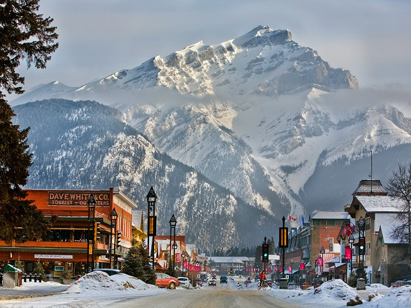Banff Avenue Winter © Banff Lake Louise Tourism / Paul Zizka Photography