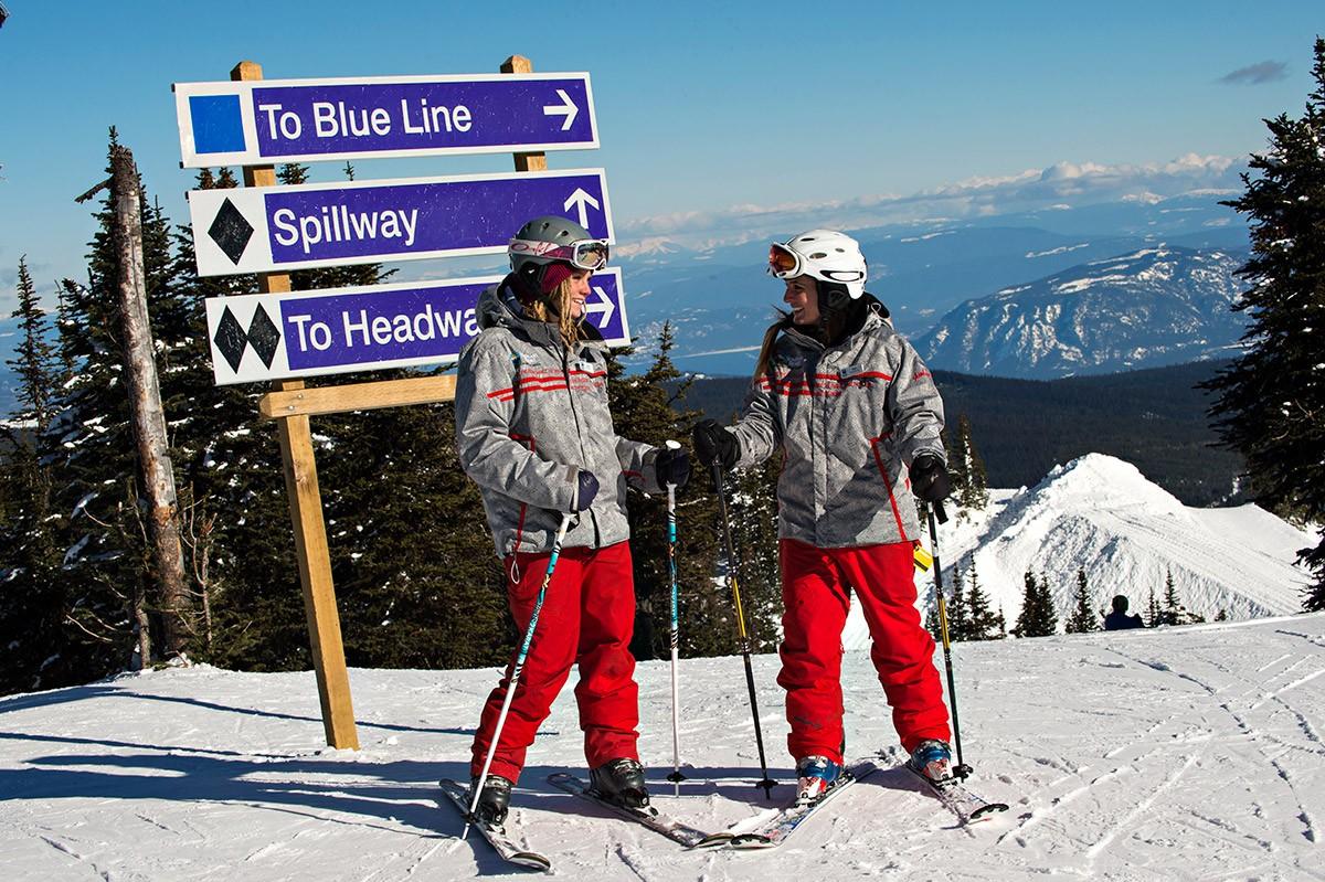 Sun Peaks Instructors © Adam Stein / Sun Peaks Resort
