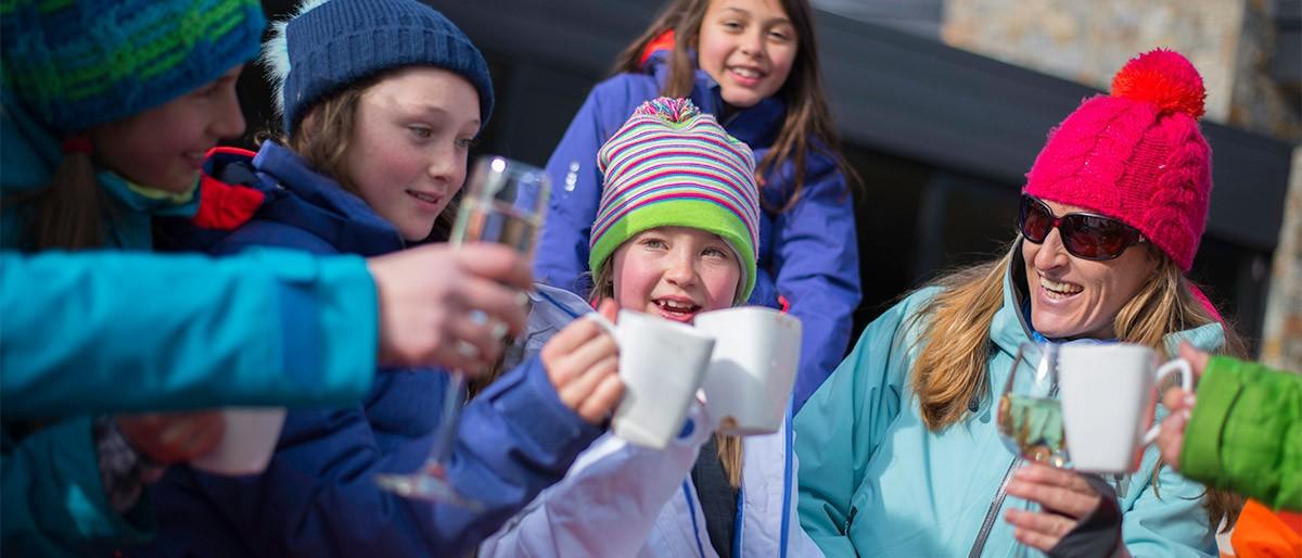 Snowmass Family Hot Chocolate © Daniel Bayer 21x9