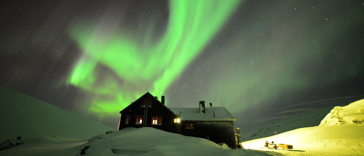 Björkliden Lakatjakko Mountain Lodge © Chad Blakley