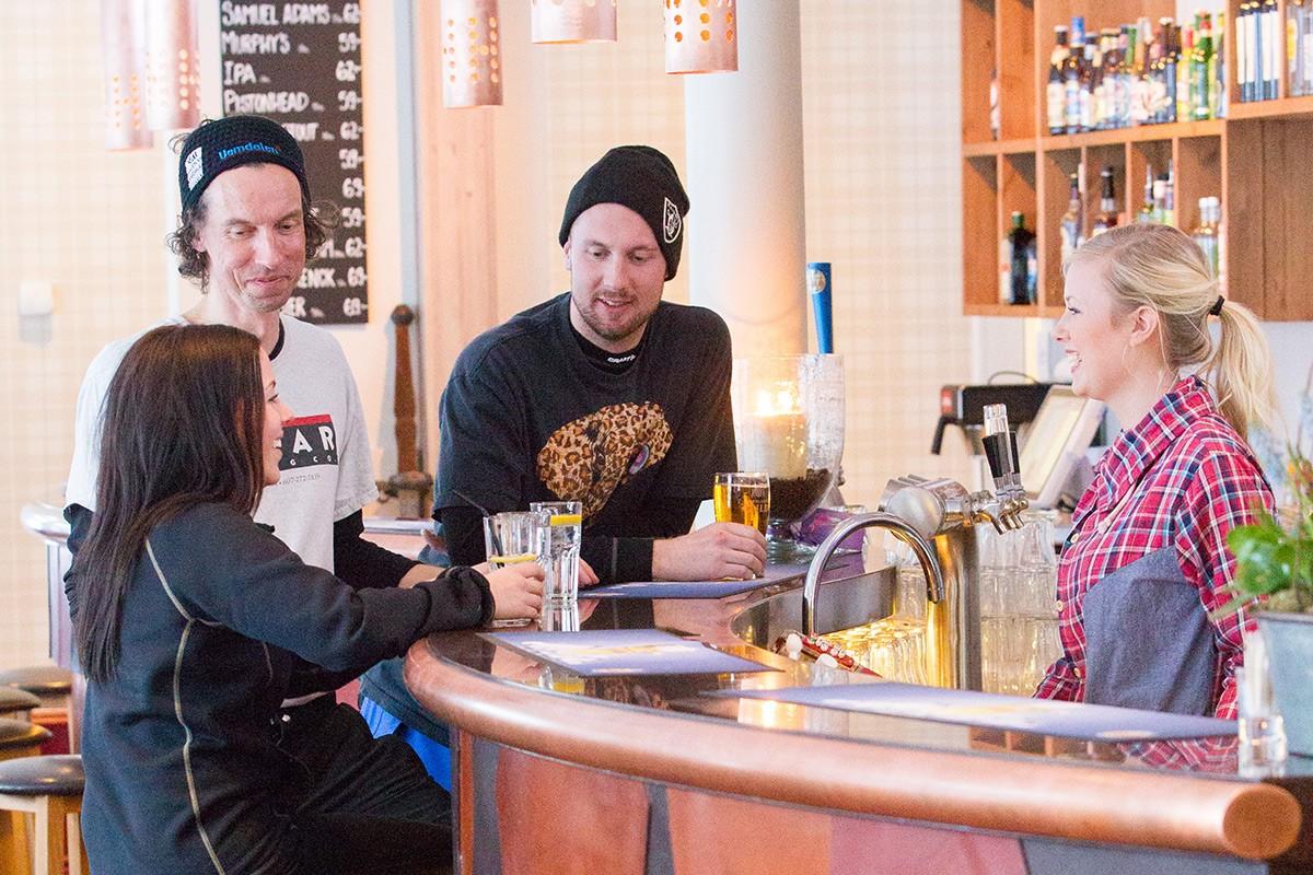 Hovde Hotel Bar © Jocke Lagercrantz