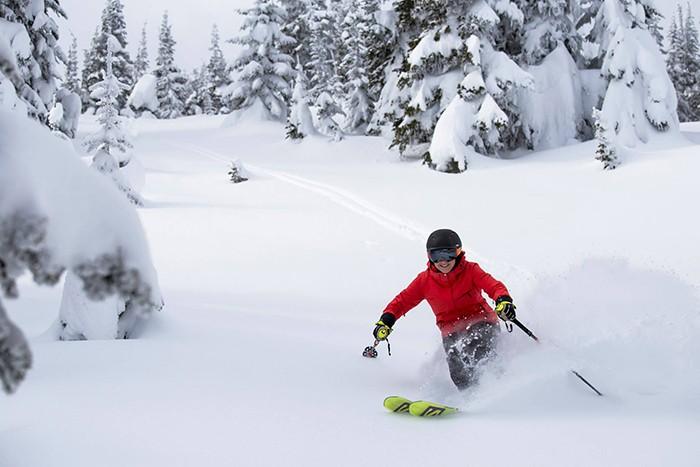 Quita Williams skiing Sun Peaks © Sam Egan