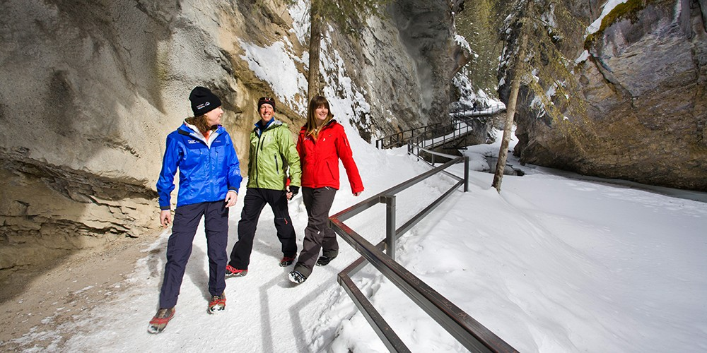 Ice Walking in Johnston Canyon credit Paul Zizka