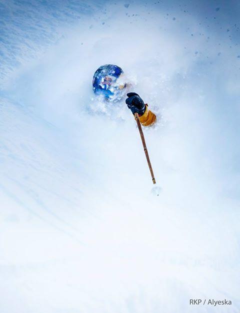 Angel Collinson Skiing Northface in Alyeksa © Ralph Kristopher