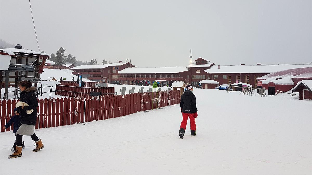 Stöten's compact base