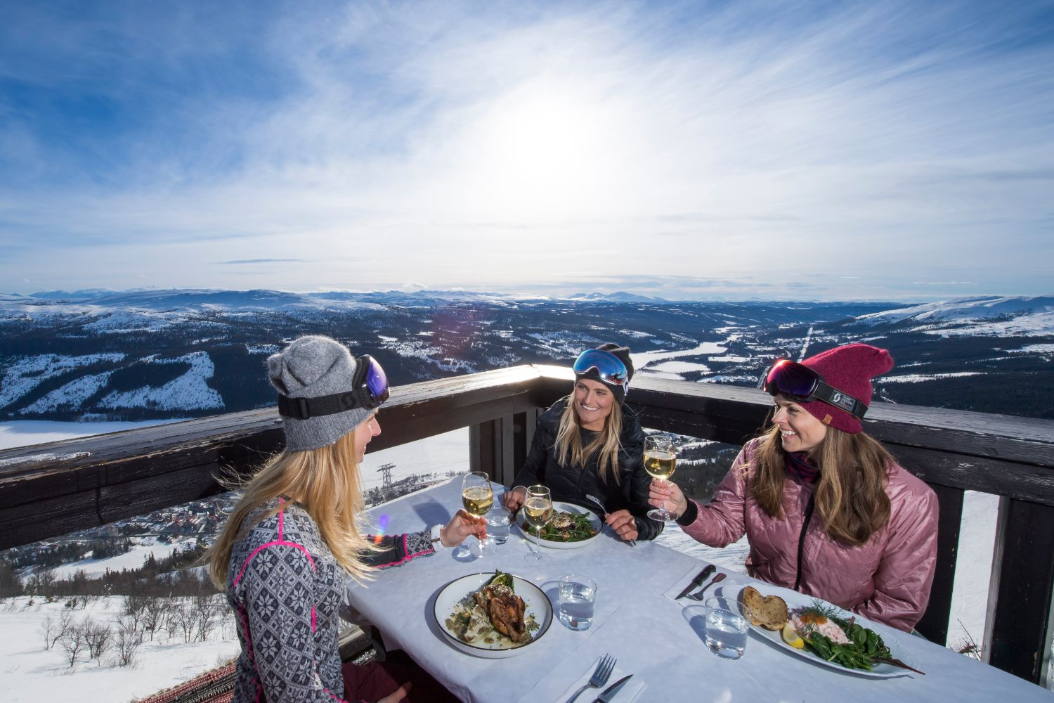 Lunch on the Mountain in Åre © Ola Matsson